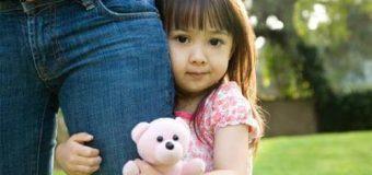 Độ tuổi thích hợp cho bé đi nhà trẻ